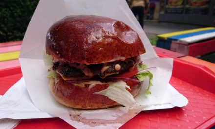 Ray' Bá Street Food – Huanita Burger